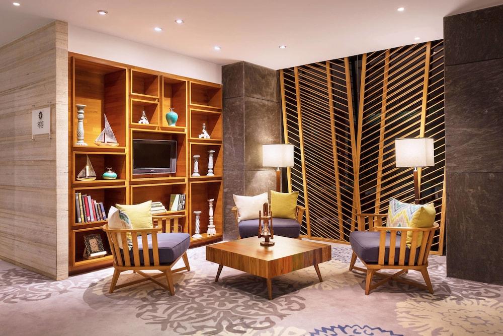 포 포인츠 바이 쉐라톤 비사카파트남(Four Points by Sheraton Visakhapatnam) Hotel Image 19 - Restaurant