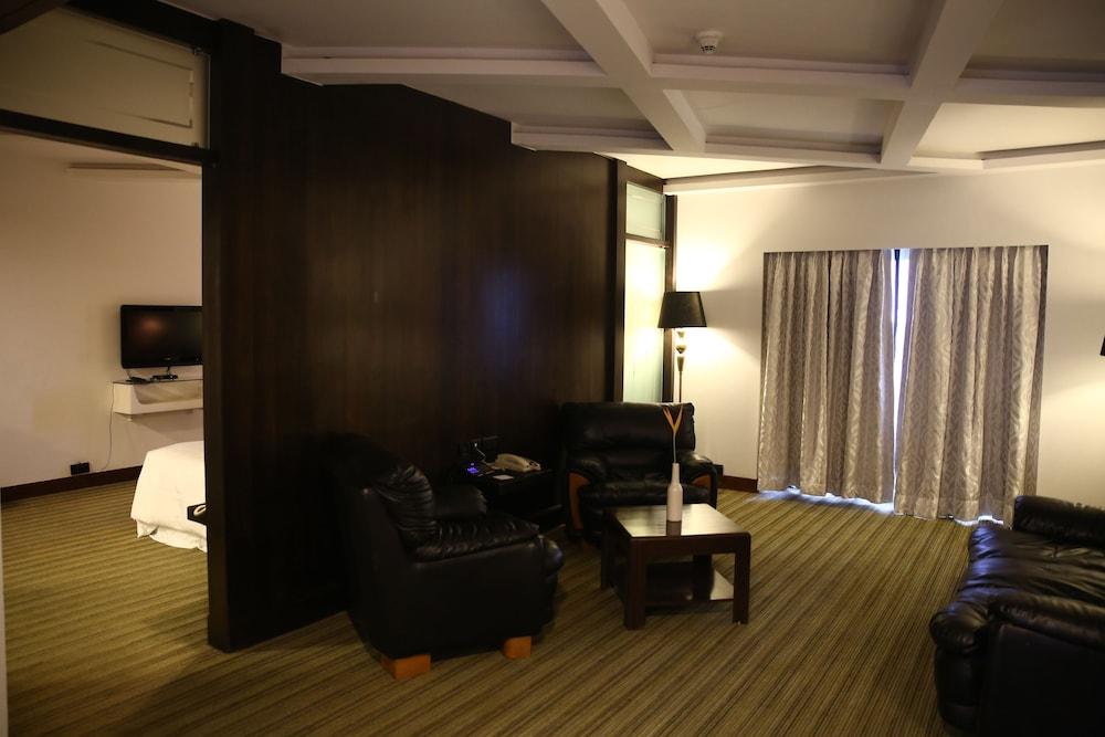포 포인츠 바이 쉐라톤 비사카파트남(Four Points by Sheraton Visakhapatnam) Hotel Image 10 - Guestroom
