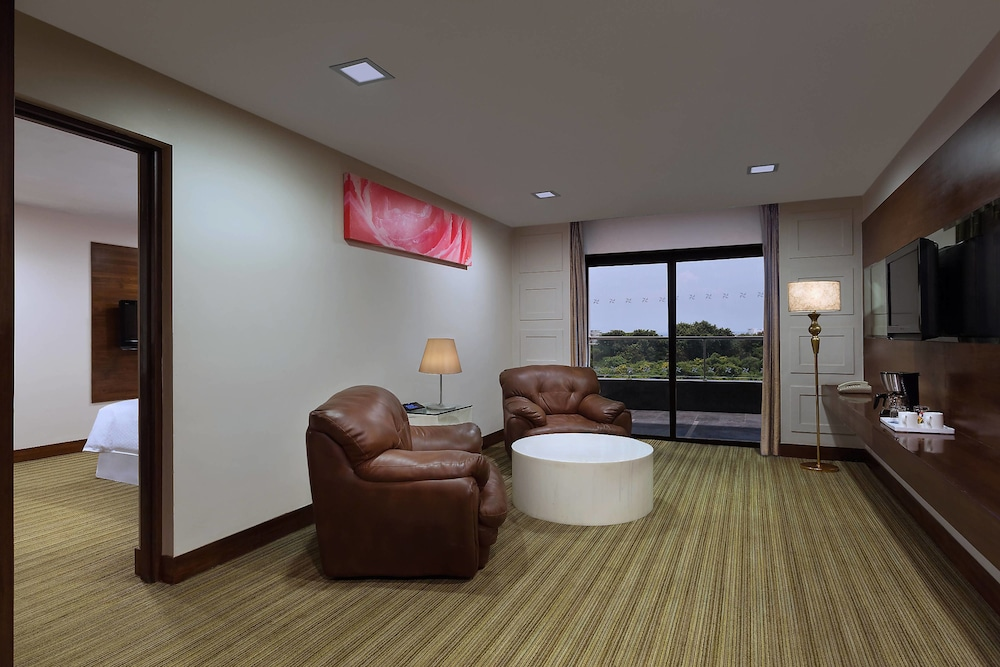 포 포인츠 바이 쉐라톤 비사카파트남(Four Points by Sheraton Visakhapatnam) Hotel Image 9 - Guestroom