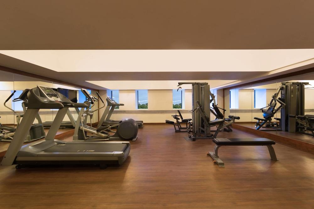 포 포인츠 바이 쉐라톤 비사카파트남(Four Points by Sheraton Visakhapatnam) Hotel Image 16 - Fitness Facility