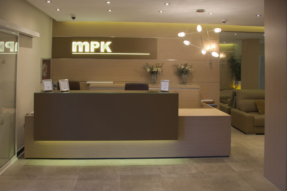 마롤라 파크(Marola Park) Hotel Image 3 - Check-in/Check-out Kiosk