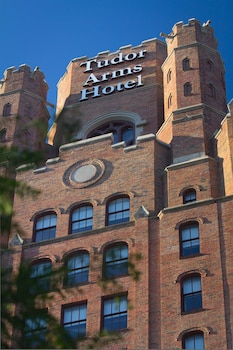Hotel - The Tudor Arms Cleveland - a DoubleTree by Hilton