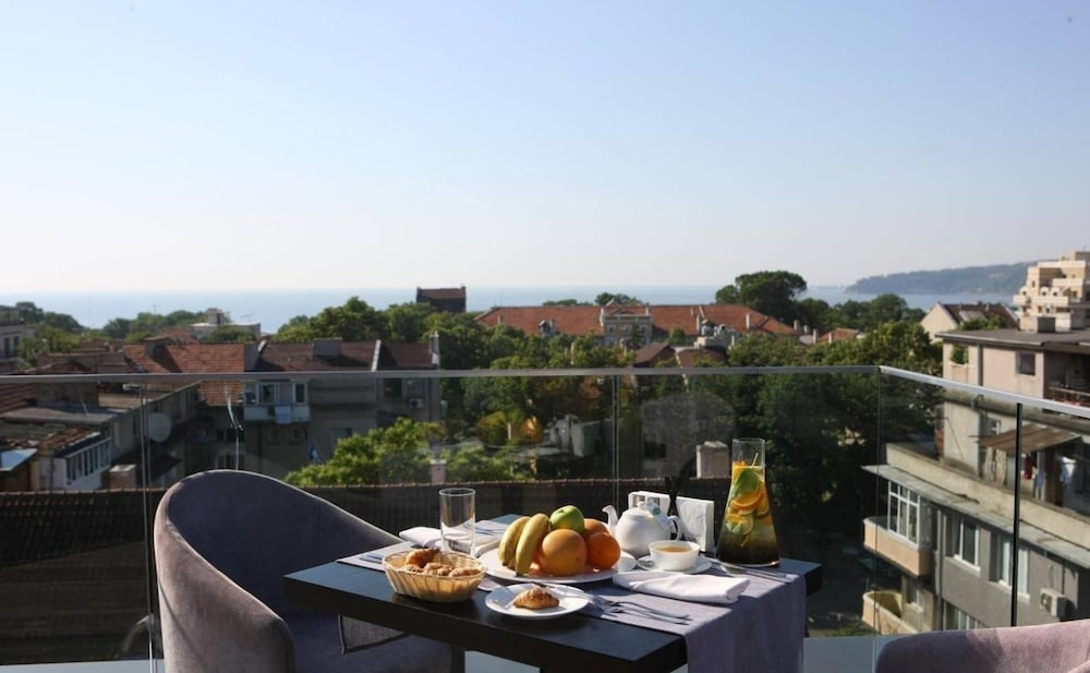 그래피티 갤러리 디자인 호텔(Graffit Gallery Design Hotel) Hotel Image 4 - View from Hotel