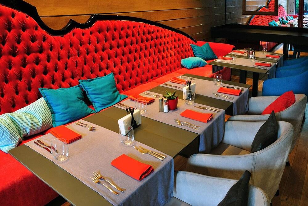 그래피티 갤러리 디자인 호텔(Graffit Gallery Design Hotel) Hotel Image 39 - Breakfast Area