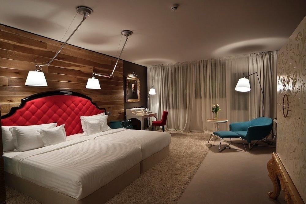 그래피티 갤러리 디자인 호텔(Graffit Gallery Design Hotel) Hotel Image 8 - Guestroom