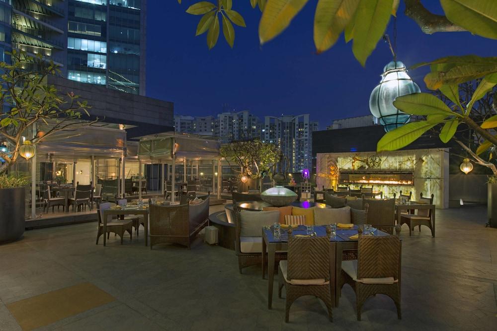 쉐라톤 그랜드 방갈로르 호텔 앳 브리게이드 게이트웨이(Sheraton Grand Bangalore Hotel at Brigade Gateway) Hotel Image 39 - Restaurant