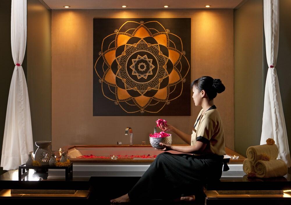 쉐라톤 그랜드 방갈로르 호텔 앳 브리게이드 게이트웨이(Sheraton Grand Bangalore Hotel at Brigade Gateway) Hotel Image 30 - Treatment Room