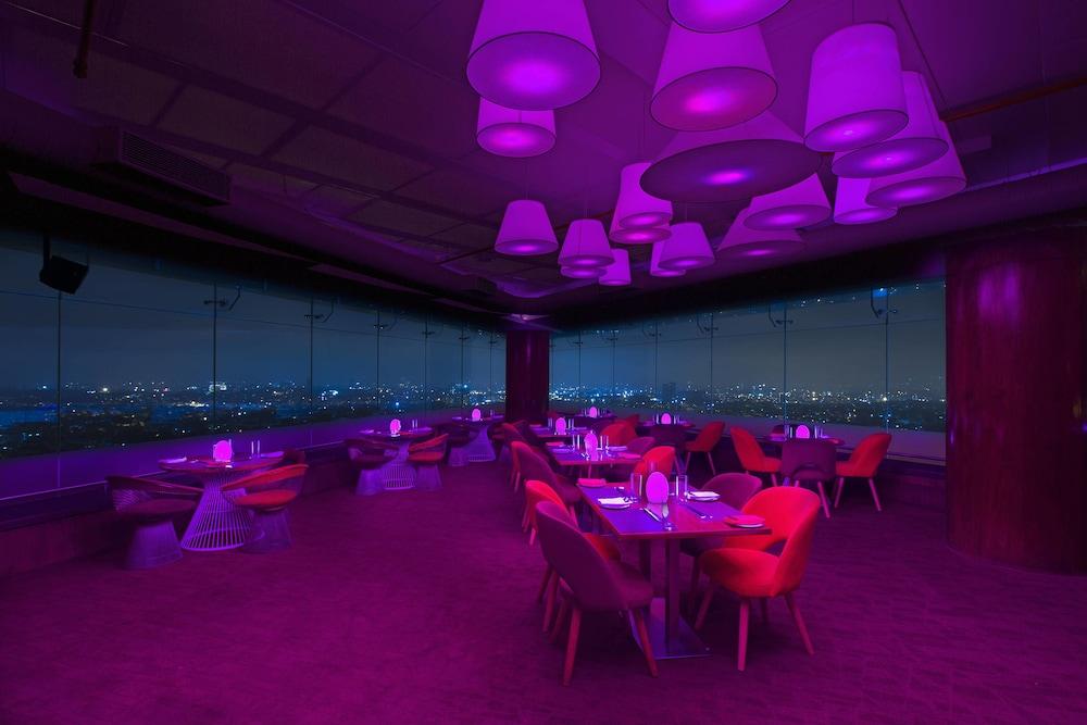쉐라톤 그랜드 방갈로르 호텔 앳 브리게이드 게이트웨이(Sheraton Grand Bangalore Hotel at Brigade Gateway) Hotel Image 44 - Restaurant