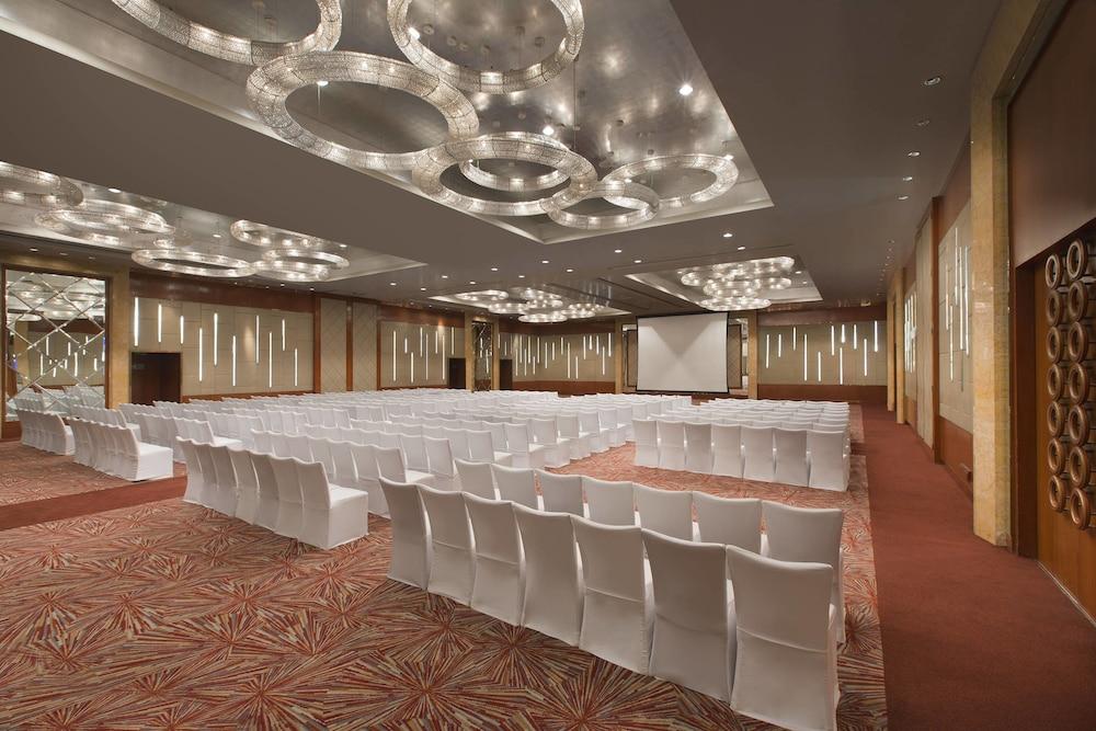 쉐라톤 그랜드 방갈로르 호텔 앳 브리게이드 게이트웨이(Sheraton Grand Bangalore Hotel at Brigade Gateway) Hotel Image 60 - Meeting Facility