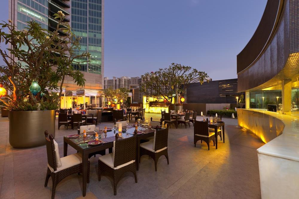 쉐라톤 그랜드 방갈로르 호텔 앳 브리게이드 게이트웨이(Sheraton Grand Bangalore Hotel at Brigade Gateway) Hotel Image 37 - Restaurant