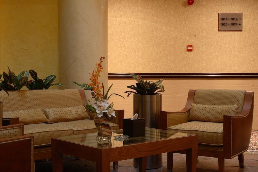 그랜드 센트럴 호텔(Grand Central Hotel) Hotel Image 15 - Living Area