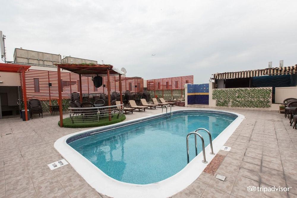 그랜드 센트럴 호텔(Grand Central Hotel) Hotel Image 24 - Outdoor Pool