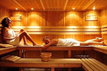 그랜드 센트럴 호텔(Grand Central Hotel) Hotel Image 50 - Sauna