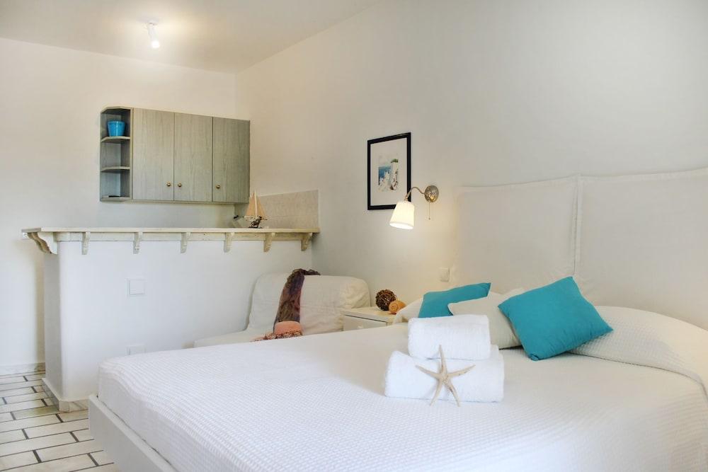 니시오티코 호텔(Nissiotiko Hotel) Hotel Image 22 - Guestroom