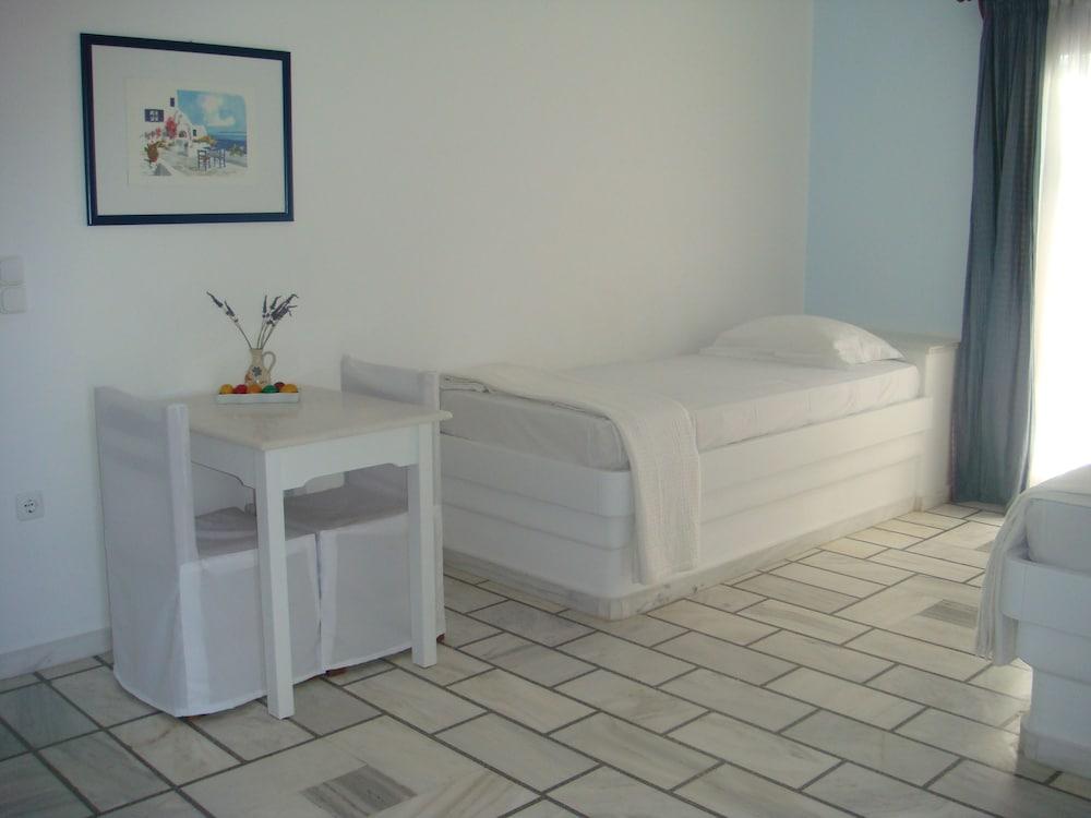 니시오티코 호텔(Nissiotiko Hotel) Hotel Image 4 - Guestroom