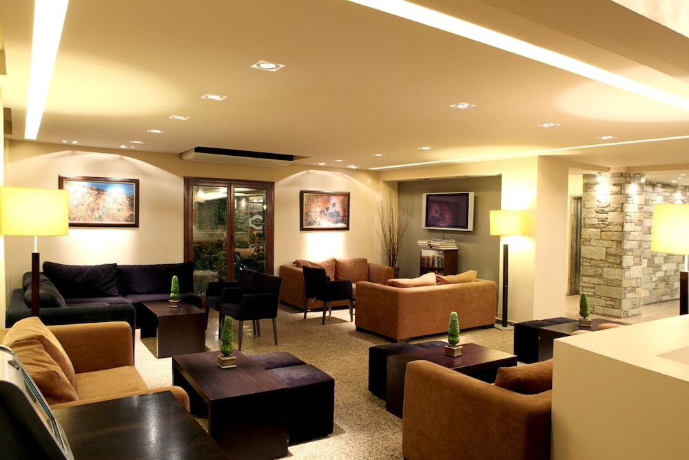 포르타리아 호텔(Portaria Hotel) Hotel Image 1 - Lobby Sitting Area