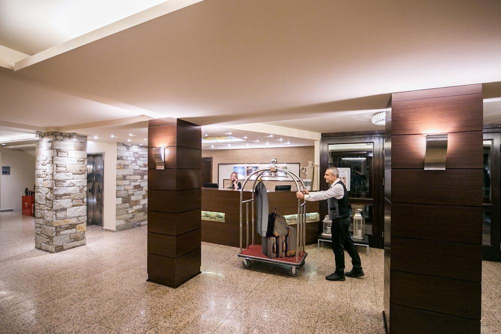 포르타리아 호텔(Portaria Hotel) Hotel Image 3 - Reception
