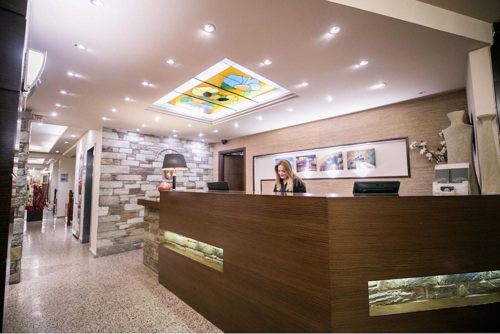 포르타리아 호텔(Portaria Hotel) Hotel Image 5 - Concierge Desk