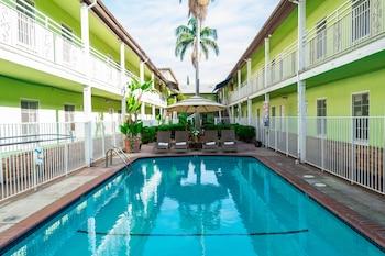 Hotel - Coral Sands Motel