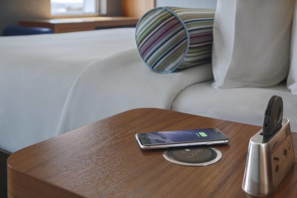 알로프트 런던 엑셀(Aloft London Excel) Hotel Image 7 - Guestroom