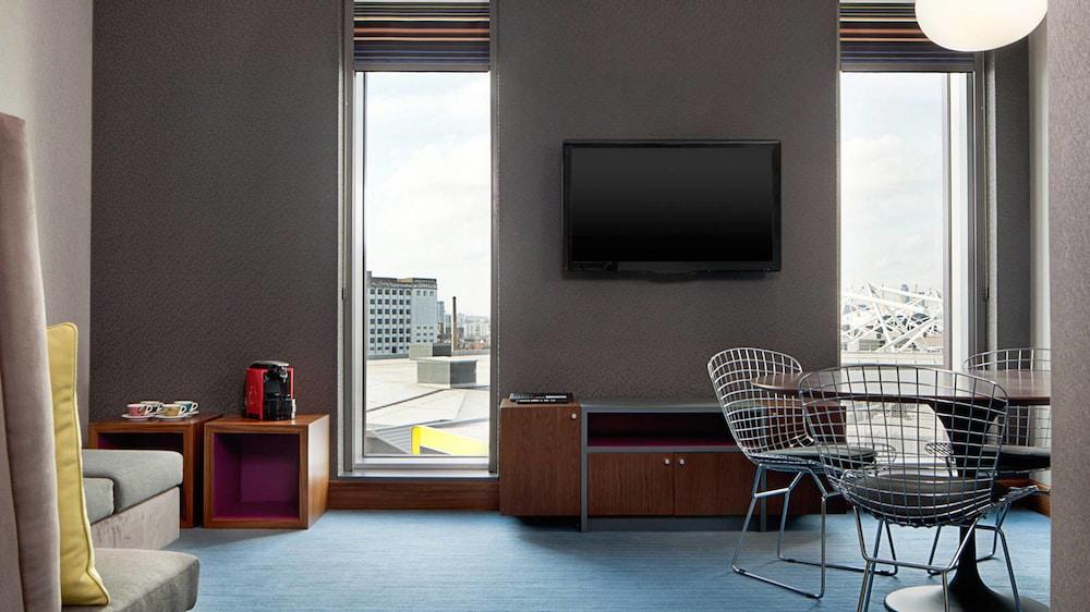 알로프트 런던 엑셀(Aloft London Excel) Hotel Image 4 - Guestroom
