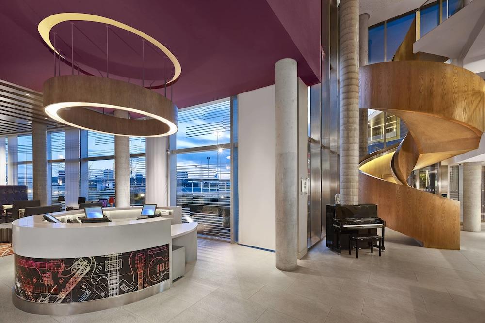 알로프트 런던 엑셀(Aloft London Excel) Hotel Image 1 - Lobby