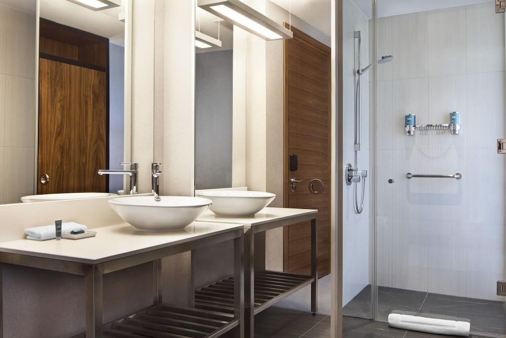 알로프트 런던 엑셀(Aloft London Excel) Hotel Image 6 - Guestroom