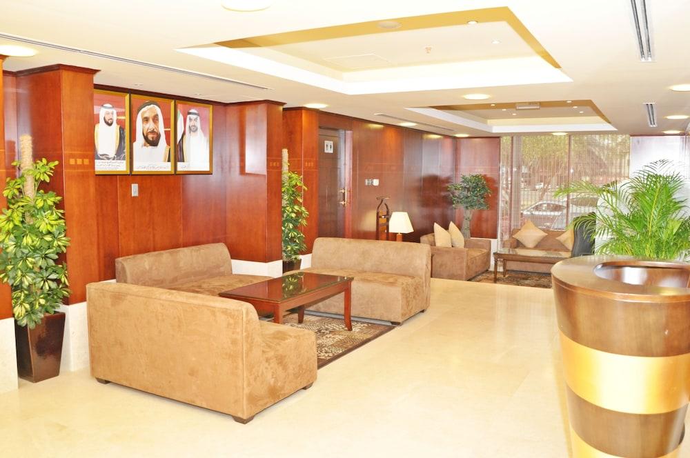 라미 로얄 호텔 아파트먼츠(Ramee Royal Hotel Apartments) Hotel Image 4 - Lobby