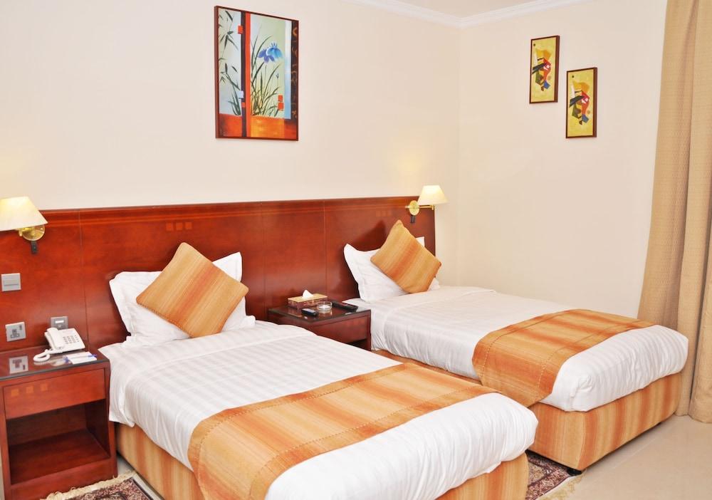 라미 로얄 호텔 아파트먼츠(Ramee Royal Hotel Apartments) Hotel Image 5 - Guestroom
