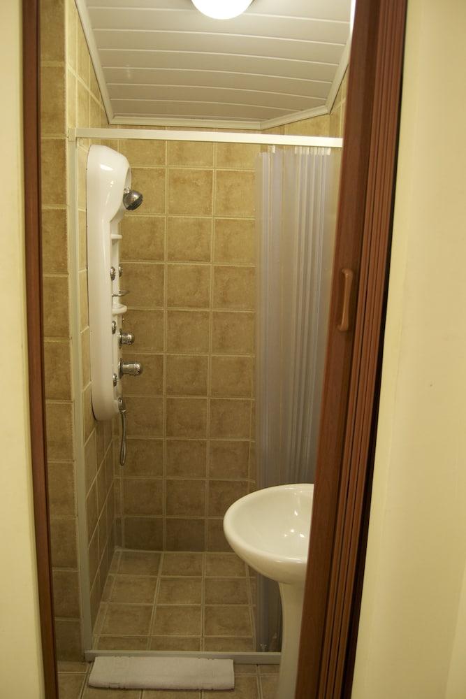 컬러스 오아시스 리조트 - 라이프스타일 인클루시브 성인 전용(Colours Oasis Resort - Lifestyle Inclusive Adults Only) Hotel Image 31 - Bathroom