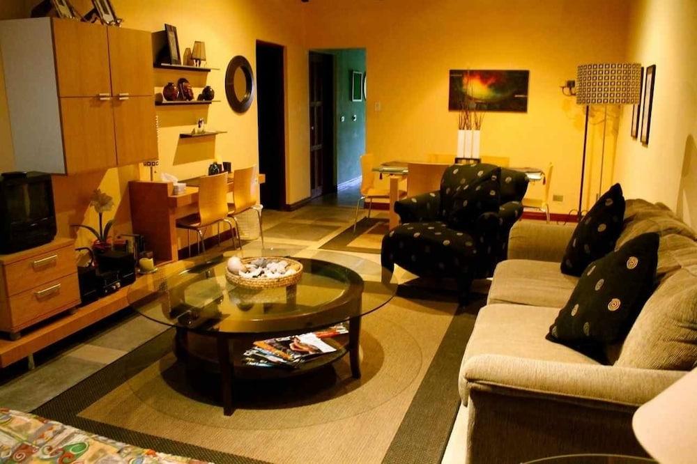 컬러스 오아시스 리조트 - 라이프스타일 인클루시브 성인 전용(Colours Oasis Resort - Lifestyle Inclusive Adults Only) Hotel Image 26 - Living Area