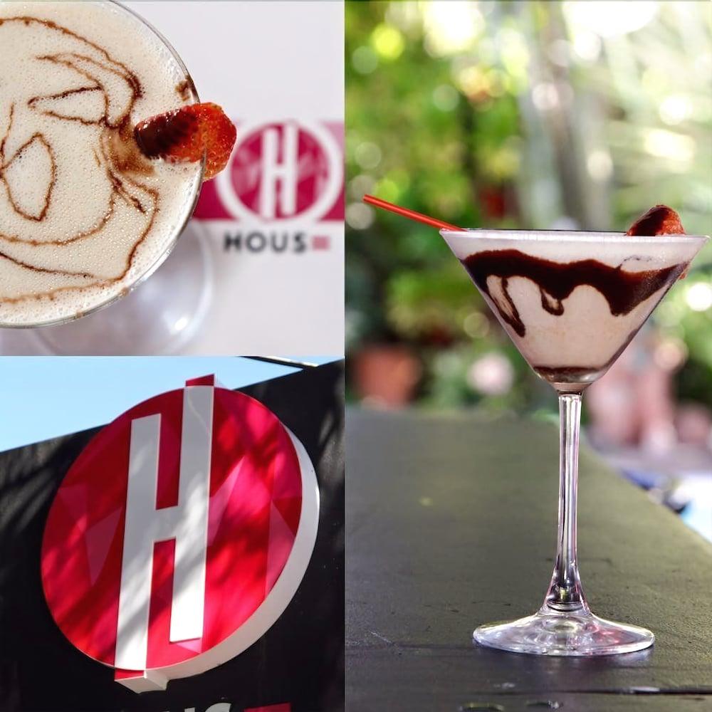 컬러스 오아시스 리조트 - 라이프스타일 인클루시브 성인 전용(Colours Oasis Resort - Lifestyle Inclusive Adults Only) Hotel Image 42 - Hotel Bar