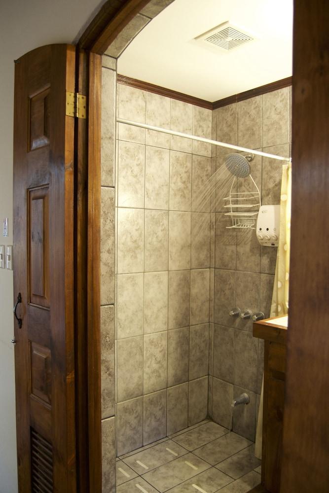 컬러스 오아시스 리조트 - 라이프스타일 인클루시브 성인 전용(Colours Oasis Resort - Lifestyle Inclusive Adults Only) Hotel Image 27 - Bathroom