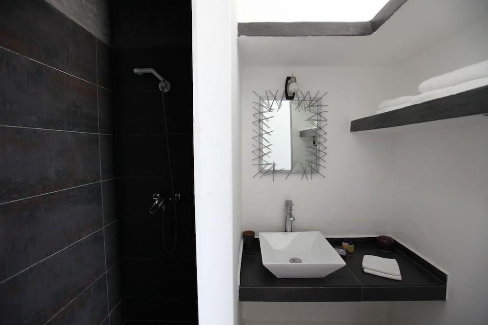 리아드 7(Riad 7) Hotel Image 26 - Bathroom Sink