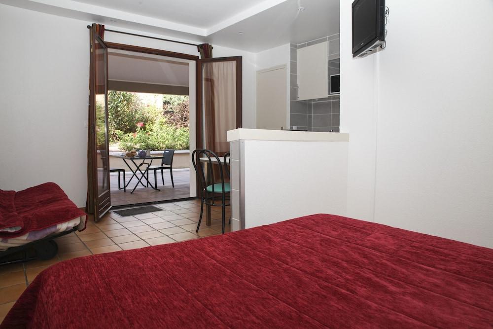 라 페르메 데 바르몽츠(La Ferme Des Barmonts) Hotel Image 7 - Guestroom