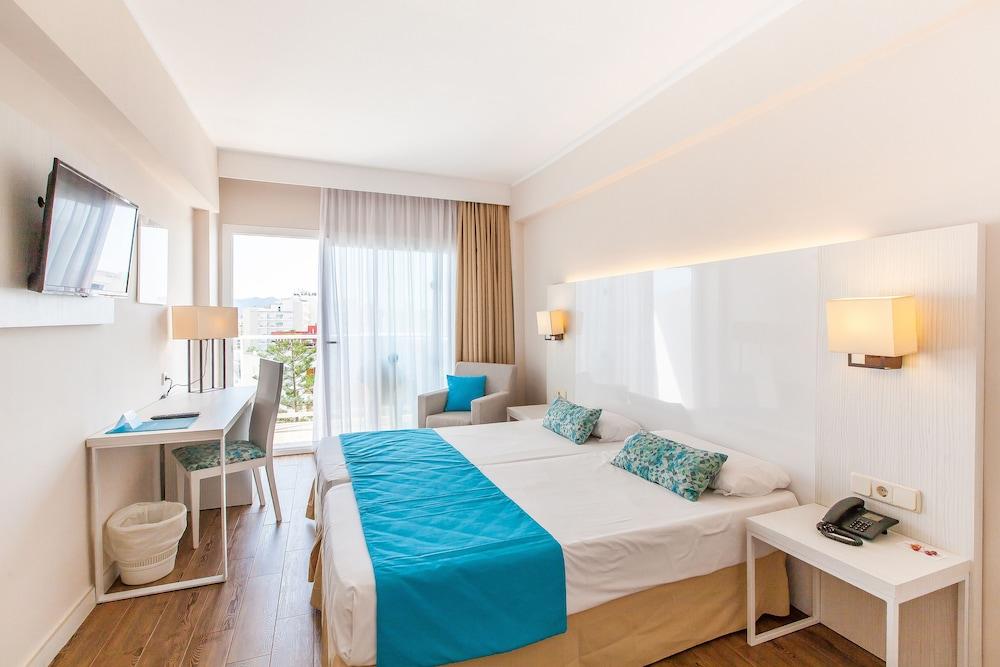 호텔 블루 시 칼라 미요르(Hotel Blue Sea Cala Millor) Hotel Image 0 - Featured Image