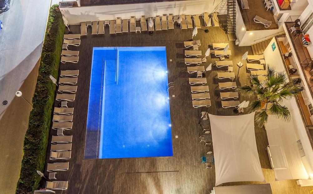 호텔 블루 시 칼라 미요르(Hotel Blue Sea Cala Millor) Hotel Image 18 - Outdoor Pool