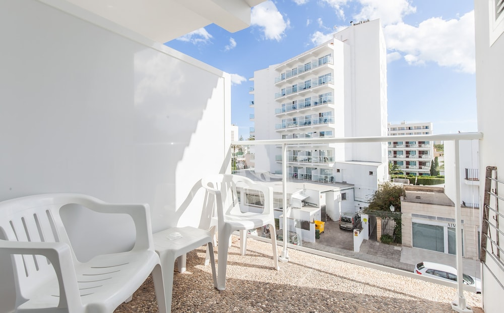호텔 블루 시 칼라 미요르(Hotel Blue Sea Cala Millor) Hotel Image 10 - Balcony