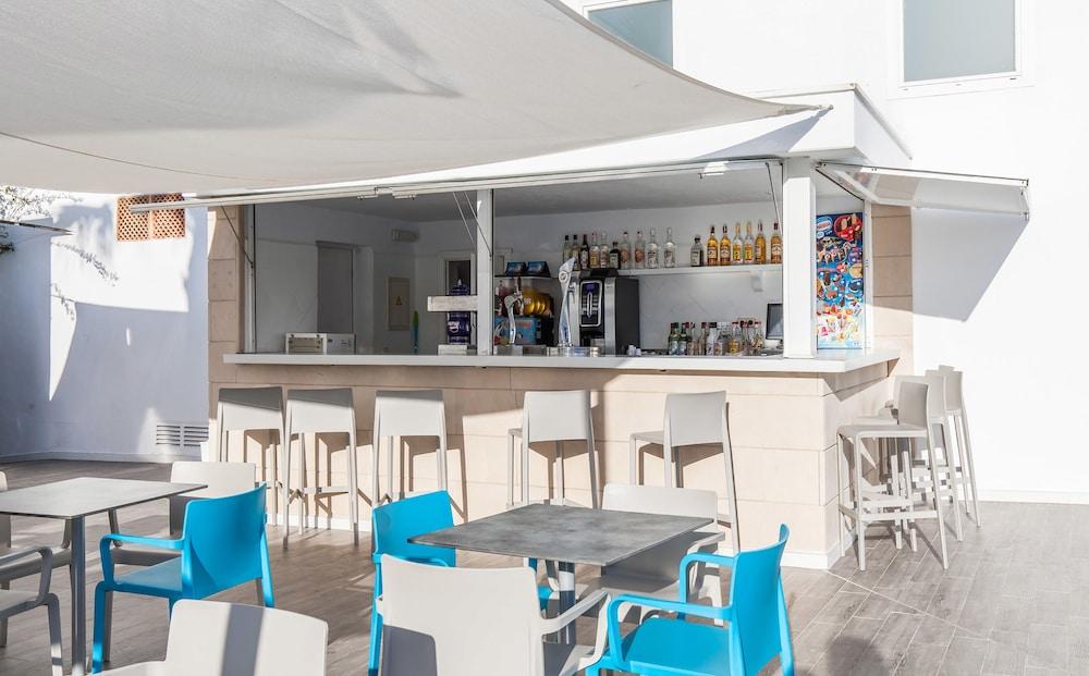 호텔 블루 시 칼라 미요르(Hotel Blue Sea Cala Millor) Hotel Image 36 - Poolside Bar