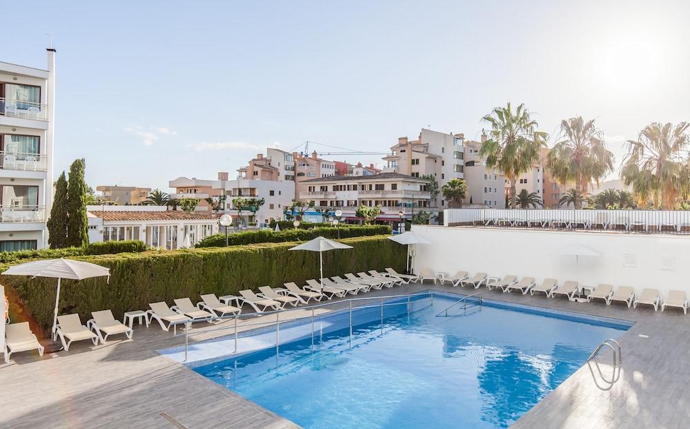 호텔 블루 시 칼라 미요르(Hotel Blue Sea Cala Millor) Hotel Image 25 - Outdoor Pool