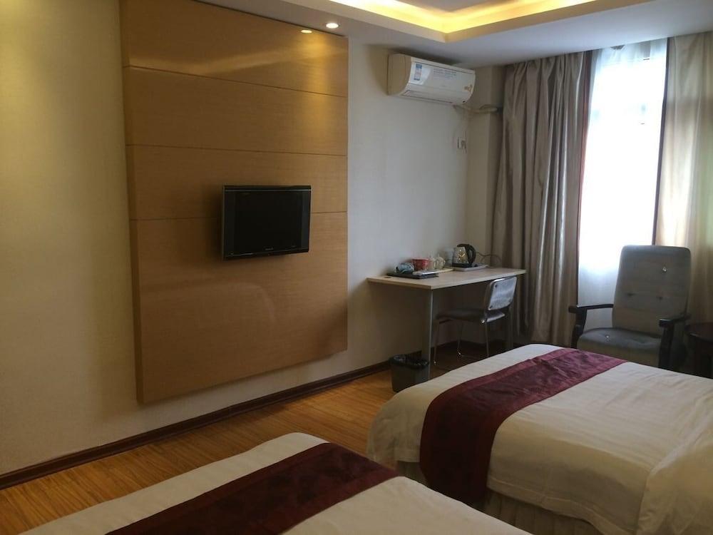 광저우 밍홍 호텔-시완(Guangzhou Minghong Hotel -Xiwan) Hotel Image 5 - Guestroom