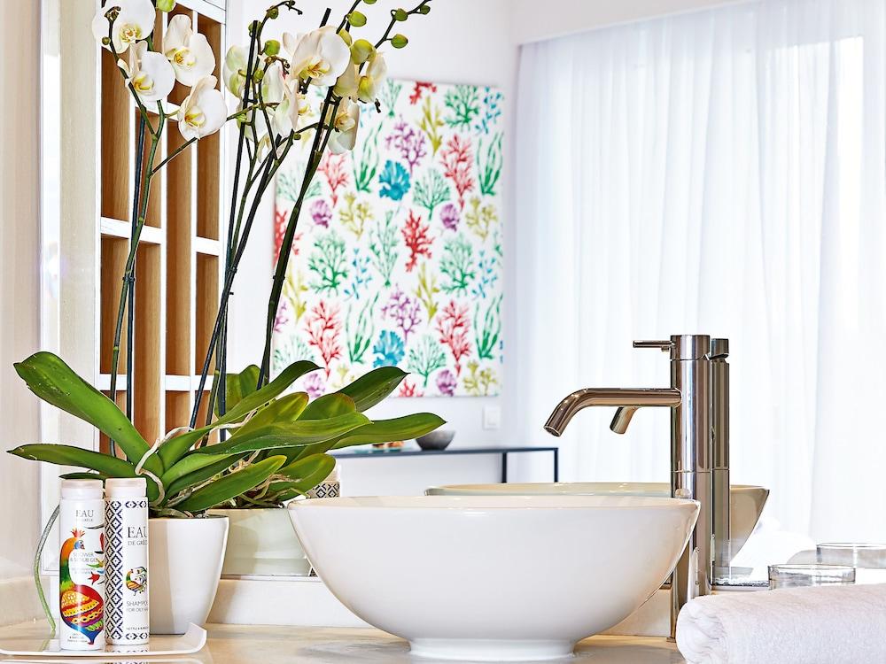 그레코텔 펠라 비치(Grecotel Pella Beach) Hotel Image 15 - Guestroom