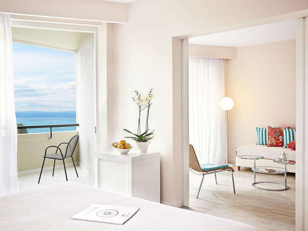 그레코텔 펠라 비치(Grecotel Pella Beach) Hotel Image 24 - Guestroom View
