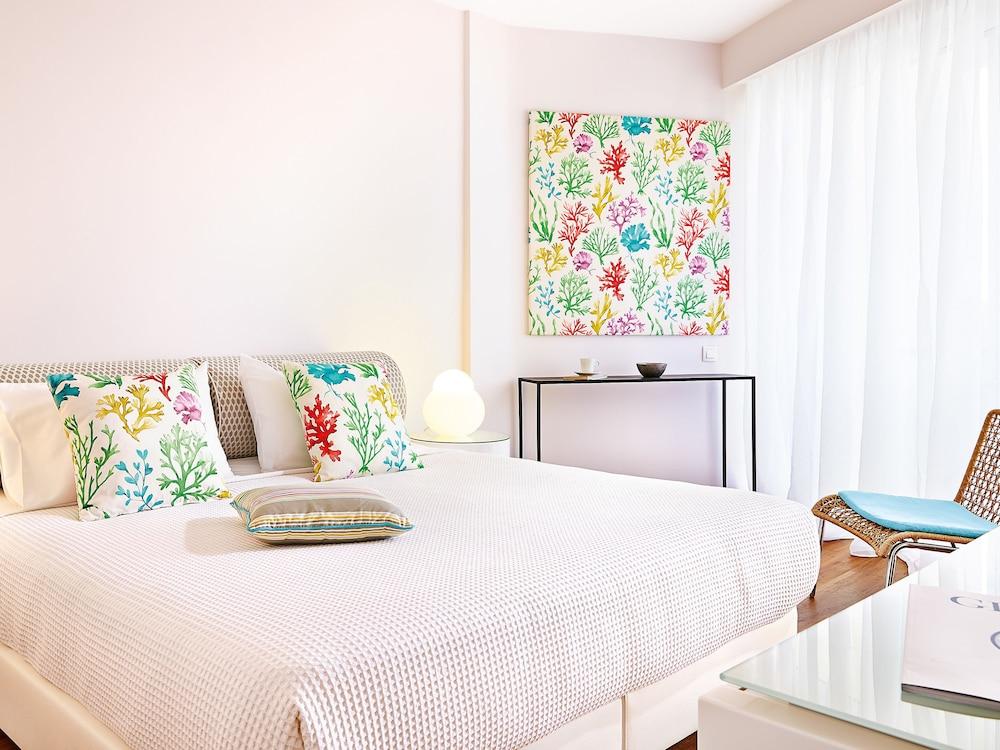 그레코텔 펠라 비치(Grecotel Pella Beach) Hotel Image 18 - Guestroom