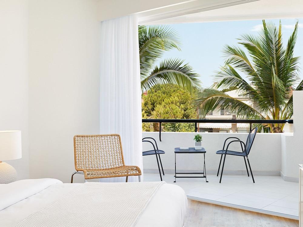 그레코텔 펠라 비치(Grecotel Pella Beach) Hotel Image 12 - Guestroom