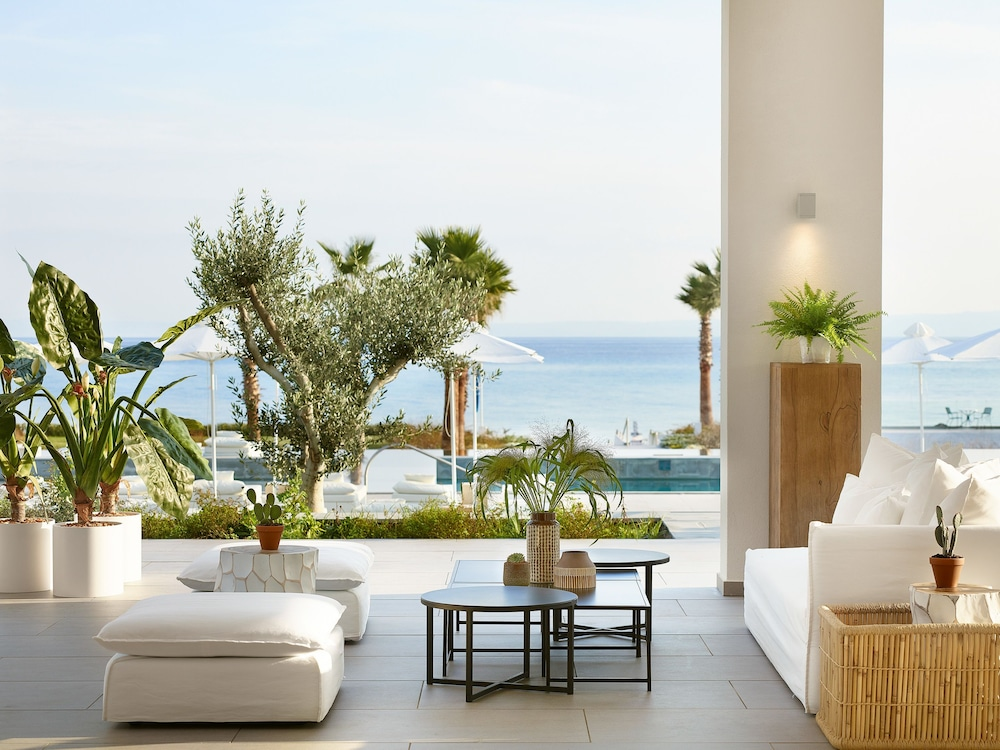 그레코텔 펠라 비치(Grecotel Pella Beach) Hotel Image 2 - Lobby Sitting Area