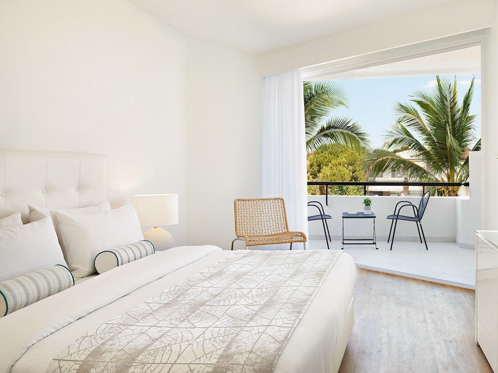 그레코텔 펠라 비치(Grecotel Pella Beach) Hotel Image 13 - Guestroom