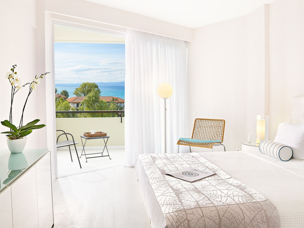 그레코텔 펠라 비치(Grecotel Pella Beach) Hotel Image 19 - Guestroom