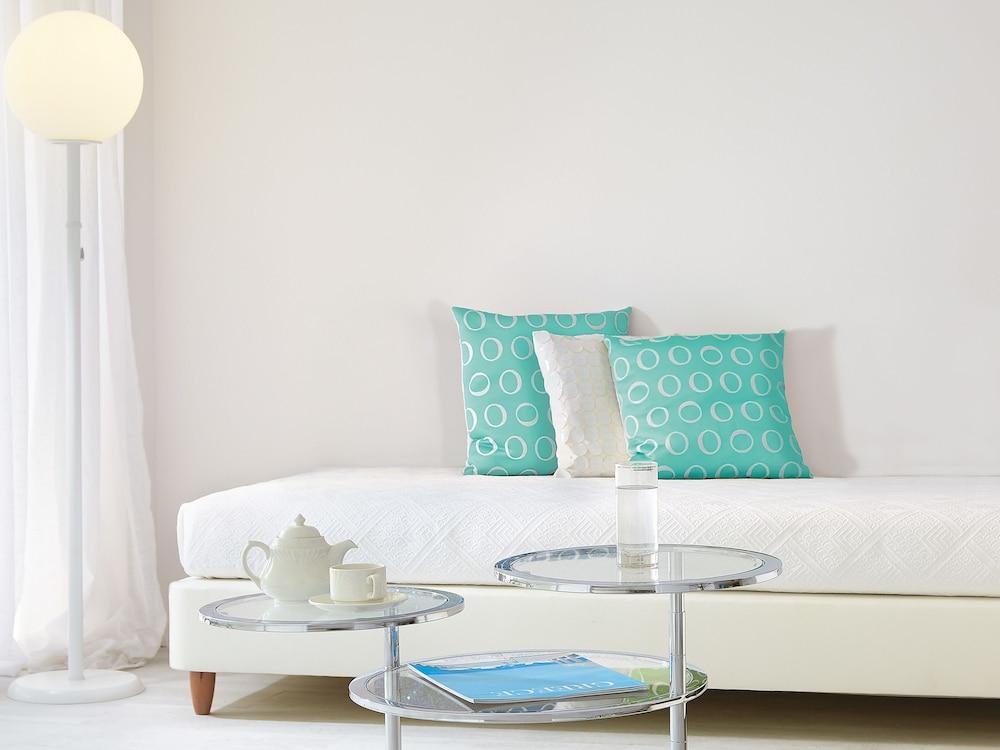 그레코텔 펠라 비치(Grecotel Pella Beach) Hotel Image 22 - Guestroom