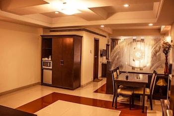 호텔 앰비언스 이그제큐티브(Hotel Ambience Executive) Hotel Image 16 - Breakfast Area